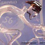 Trophée événementiel - Trophée cyclisme en verre - Boucles de l'Oust et de Lanvaux 2017 (56) - Insertion 56 dans le corps sculpté du coureur en verre - Art Verrier