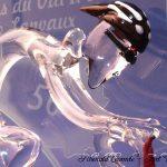 Trophée événementiel - Trophée cyclisme en verre - Boucles de l'Oust et de Lanvaux 2017 (56) - Plan rapproché sculpture coureur cycliste en verre plein - Art Verrier