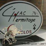 Trophée événementiel - Trophée cyclisme - HAC L'Hermitage 2006 (35) - Eléphant en verre transparent - oreilles en verre satiné - Création verre plein - Art Verrier