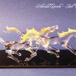 Trophée cheval en verre – Trophée d'art 2016 - Trois chevaux sculptés en verre lancés dans un galop effréné - Art Verrier