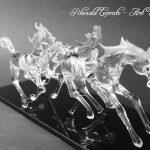 Trophée cheval en verre – Trophée d'art 2016 - Galop effréné réalisé en verre – photo version noir et blanc - Art Verrier