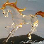 Trophée cheval en verre - Sculpture 2019 - Cheval en verre - Crinière et queue réalisées en verre couleur ambre - Art Verrier