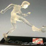 Trophée football - Trophée cadeau d'art personnalisé - Footballeur sculpté en verre plein - Marquage personnalisé et inclusion logo - Art Verrier