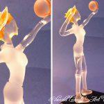 Trophée sport féminin - Volleyeuse façonnée au chalumeau - Verre plein - Traitement verre satiné - verre transparent 2 touches de couleurs - Création 2016 - Art Verrier
