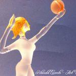 Trophée sport féminin - Volleyeuse sculptée en verre plein - Plan rapproché - Création 2016 - Art Verrier