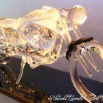 Trophée d'art passion 2015 - Bobber Harley-Davidson - Moteur de caractère et style dépouillé par essence - Trophée sculpture sur socle en verre noir - Rhénald Lecomte - Art Verrier
